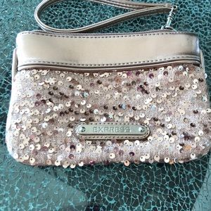 Express sequin clutch